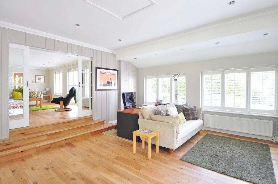 Samodzielny montaż paneli podłogowych – co musisz przygotować?