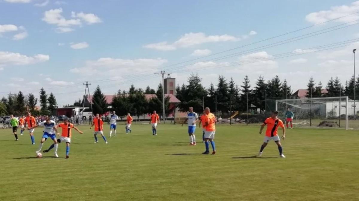 Warta Śrem pokonuje Spartę Orzechowo na inaugurację piłkarskiej Klasy Okręgowej
