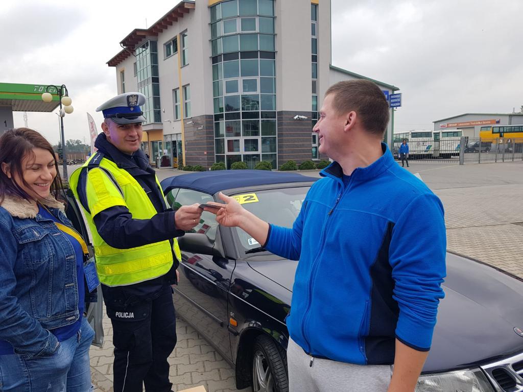 Uczestnicy rajdu organizowanego przez Saab Klub Polska odwiedzili śremski Totem