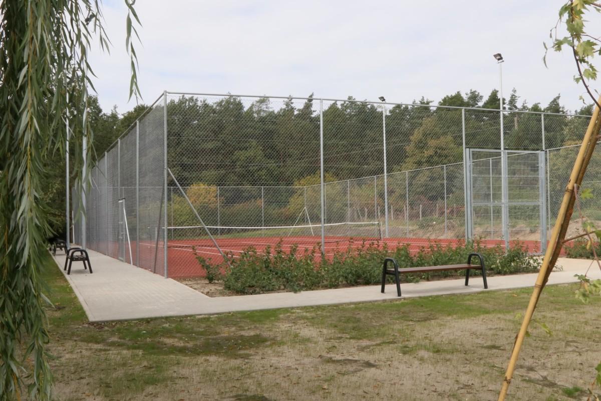 Kort tenisowy w Psarskim niedługo zostanie otwarty