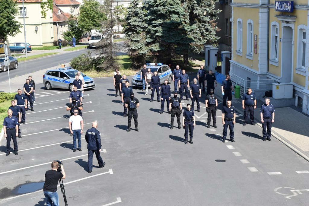#Gaszynchallenge - śremscy policjanci dla Wojtusia