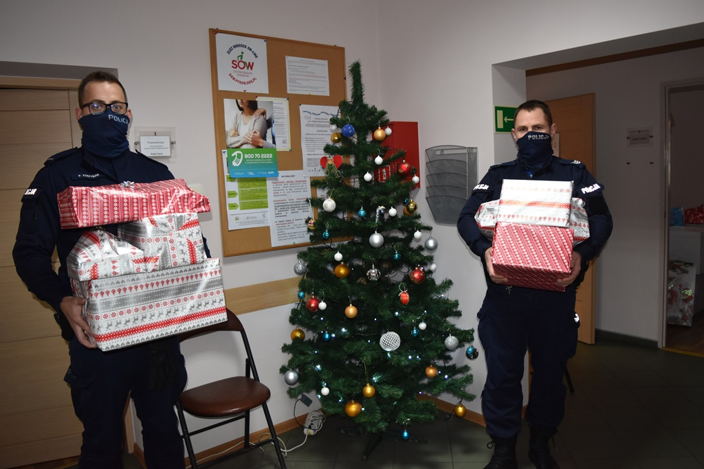 Śremska Policja włączyła się w akcję charytatywną dla dzieci