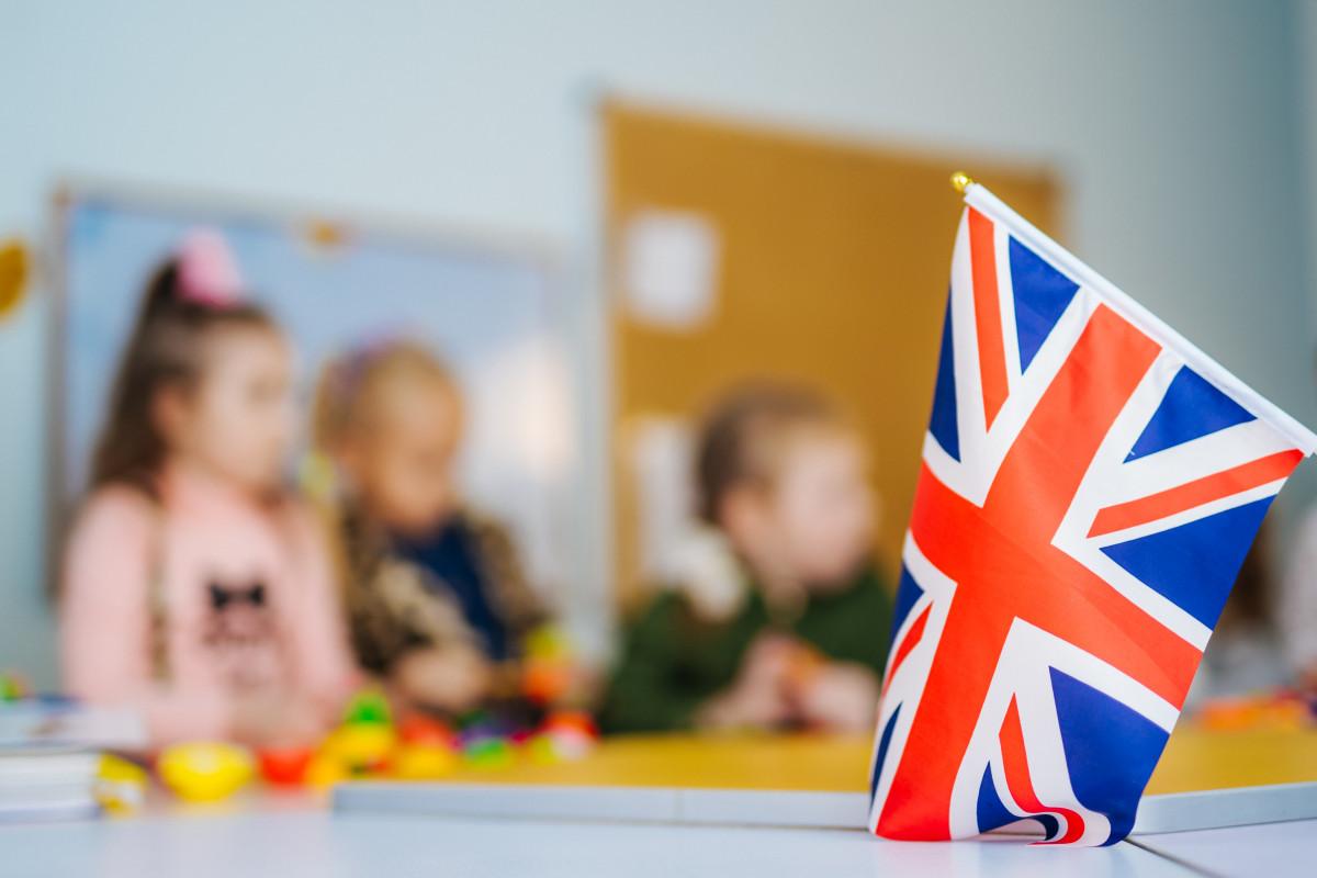Kiedy zdarzy się kontuzja, czyli jak pomóc dziecku w nauce angielskiego